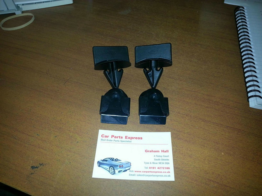 SIERRA RS COSWORTH SAPPHIRE REAR BUMPER RETAINING CLIP SET NEW