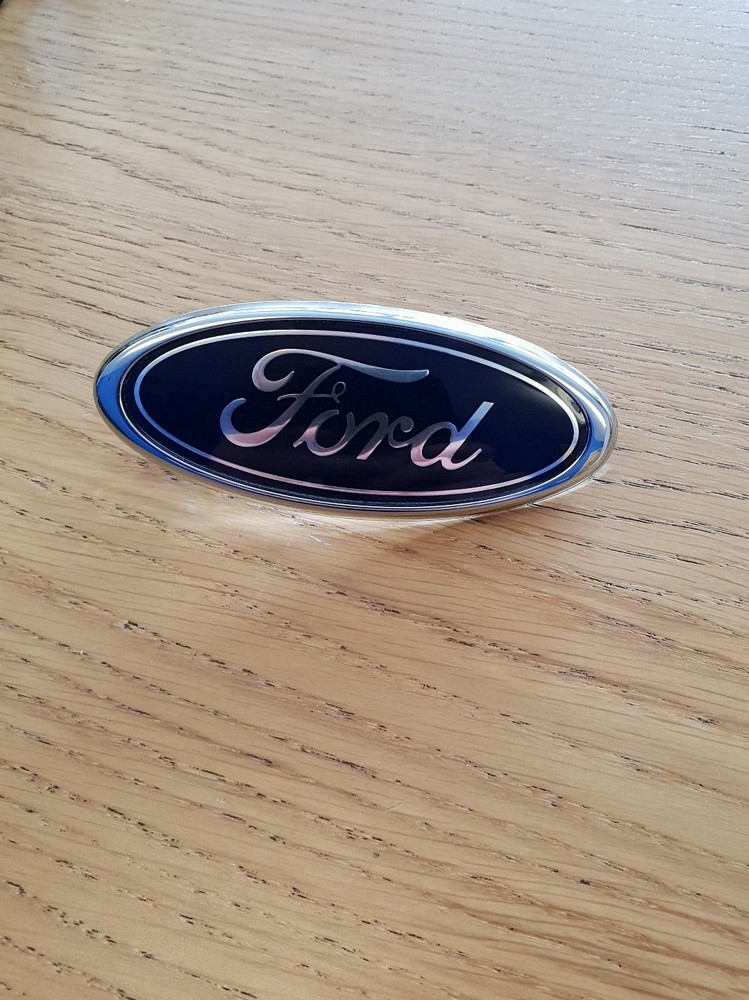 FORD FOCUS RS MK1 GENUINE FORD GRILLE BADGE NEW 1132682
